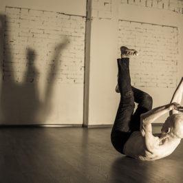 Буто: танец тьмы, рожденный из грязи